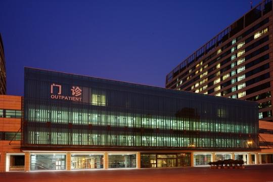 山东省立医院–铝单板幕墙,铝方通吊顶